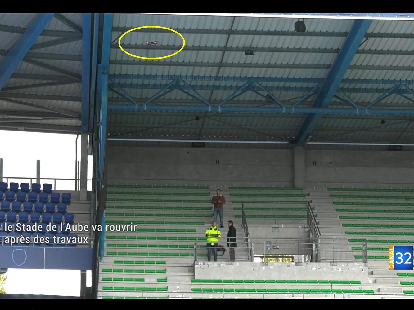 Football - Inspection des toitures du stade de l'Aube